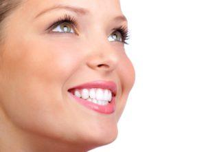 5-astuces-pour-des-dents-blanches-etincelantes
