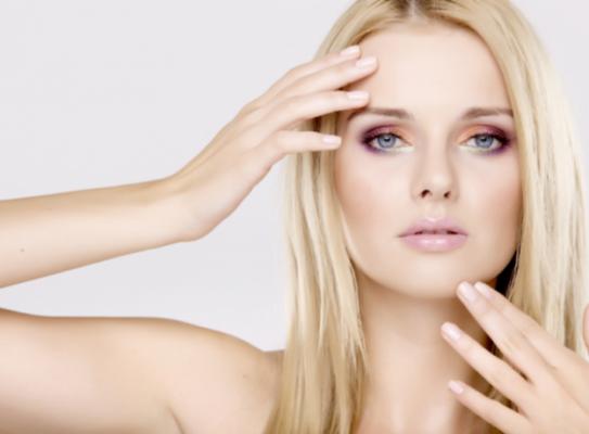 comment-rendre-leur-brillance-vos-ongles-et-cheveux