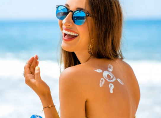 La protection solaire est certainement nécessaire pour les longues périodes d'exposition au soleil.