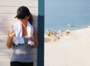 De manière générale, pratiquer un sport l'estomac vide n'est pas bon pour la santé.