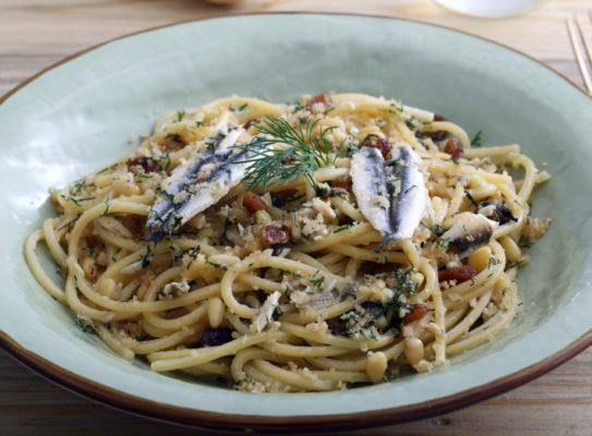 Spaghetti aux poireaux et aux sardines